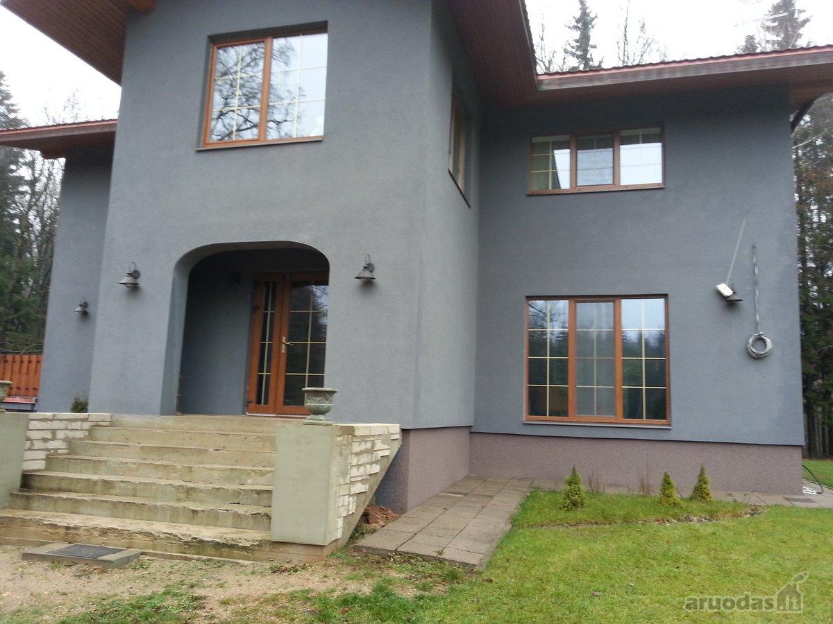 Varžytynėse parduodamas gyvenamasis namas su