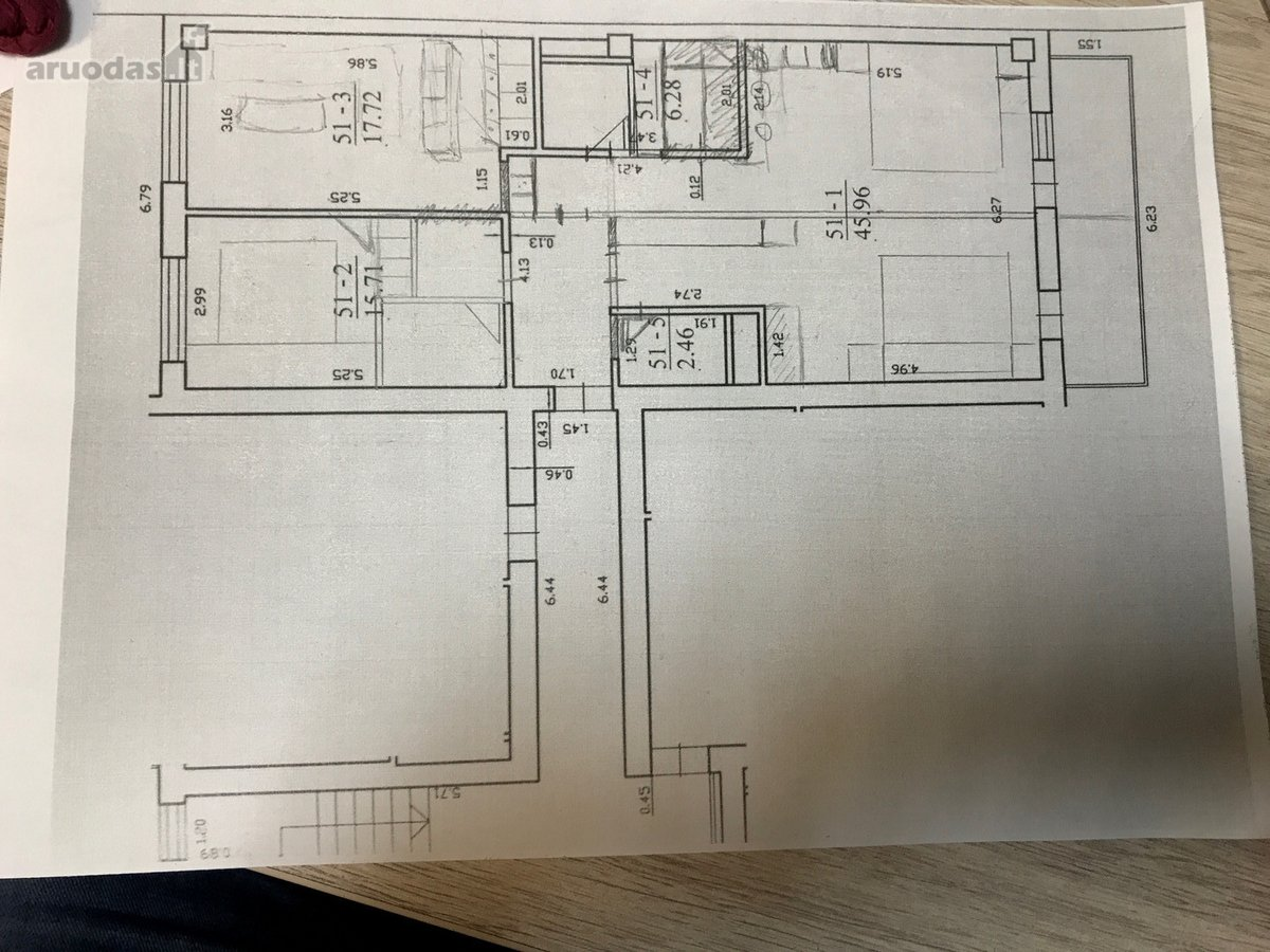 Parduodamas erdvus ir šviesus 3 kambarių