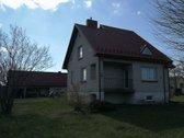 Parduodamas 25 a sklype namas su garažu ir