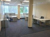 Gerai įrengtas 2 kabinetų biuras- biurų
